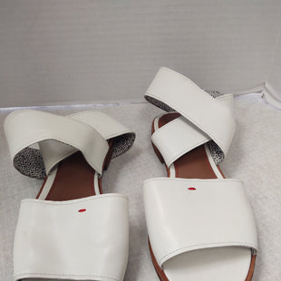 Primary Photo - BRAND:   CMC STYLE: SANDALS FLAT COLOR: WHITE SIZE: 8.5 OTHER INFO: ELLEN DEGENERES - SKU: 133-13316-115108