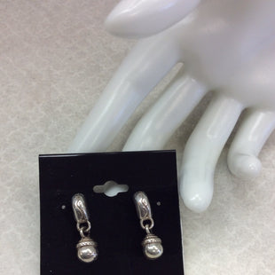 Primary Photo - BRAND: BRIGHTON STYLE: EARRINGS COLOR: SILVER OTHER INFO: SMALL HALF HOOP BEAD DROP SKU: 133-13373-13016