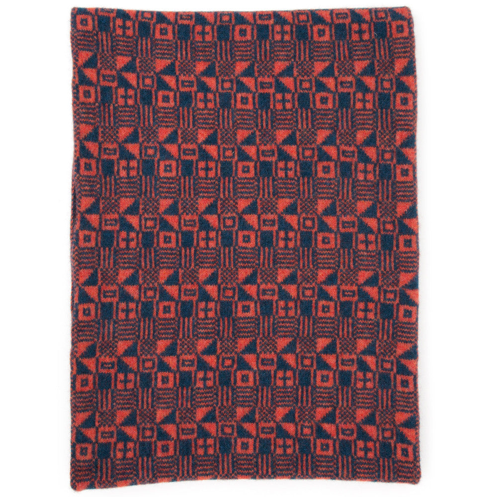 Micro knitted scarf in blue & red