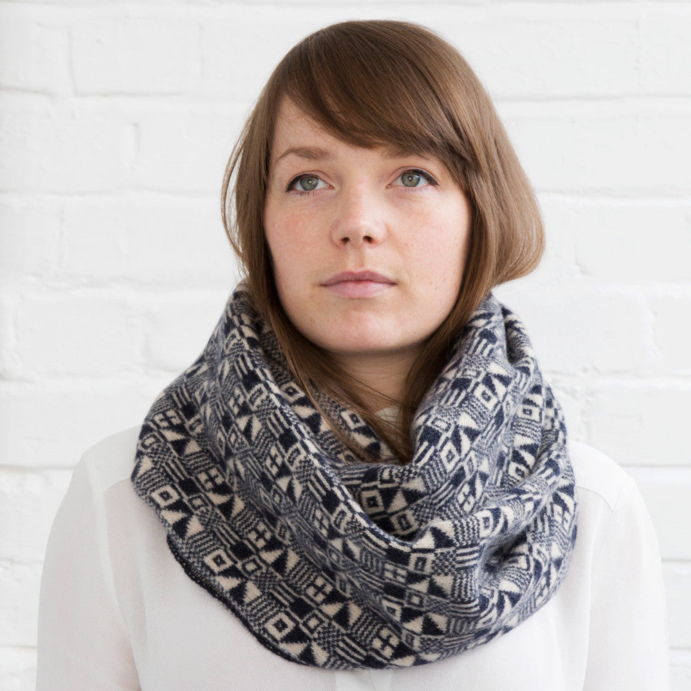 Micro knitted scarf in indigo & oatmeal