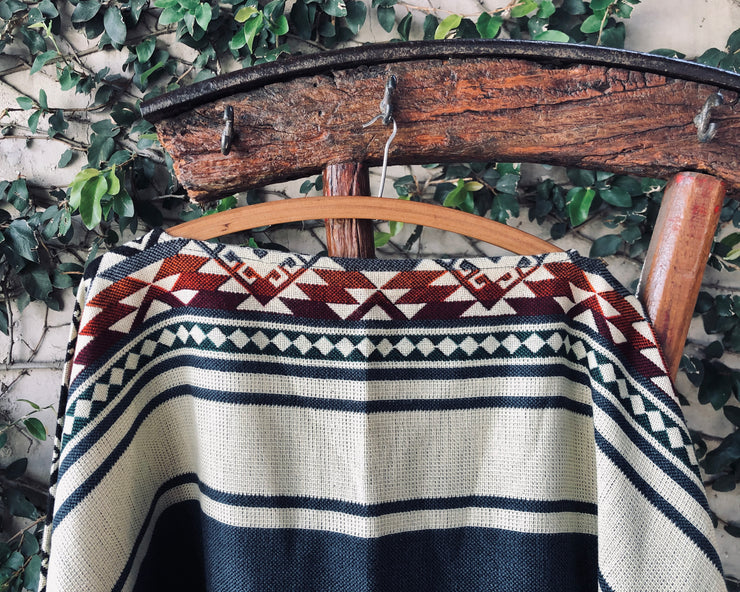 All Women Alpaca Wool Cotton Native Loom Poncho Mujer Lana de Alpaca Algodón Poncho Nativo Loom Telar Dark Blue Beige Azul Oscuro AWANA