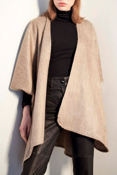 All Women Alpaca Wool Oversized Cardigan Cape Poncho Mujer Lana de Alpaca Tapado Oversized Capa Poncho Beige Off White AWANA DESIGNS