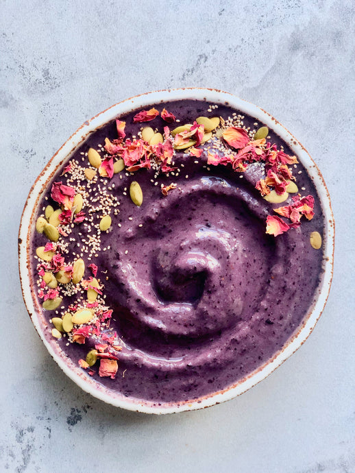 Blueberry Pie Beauty-Boosting Smoothie Bowl