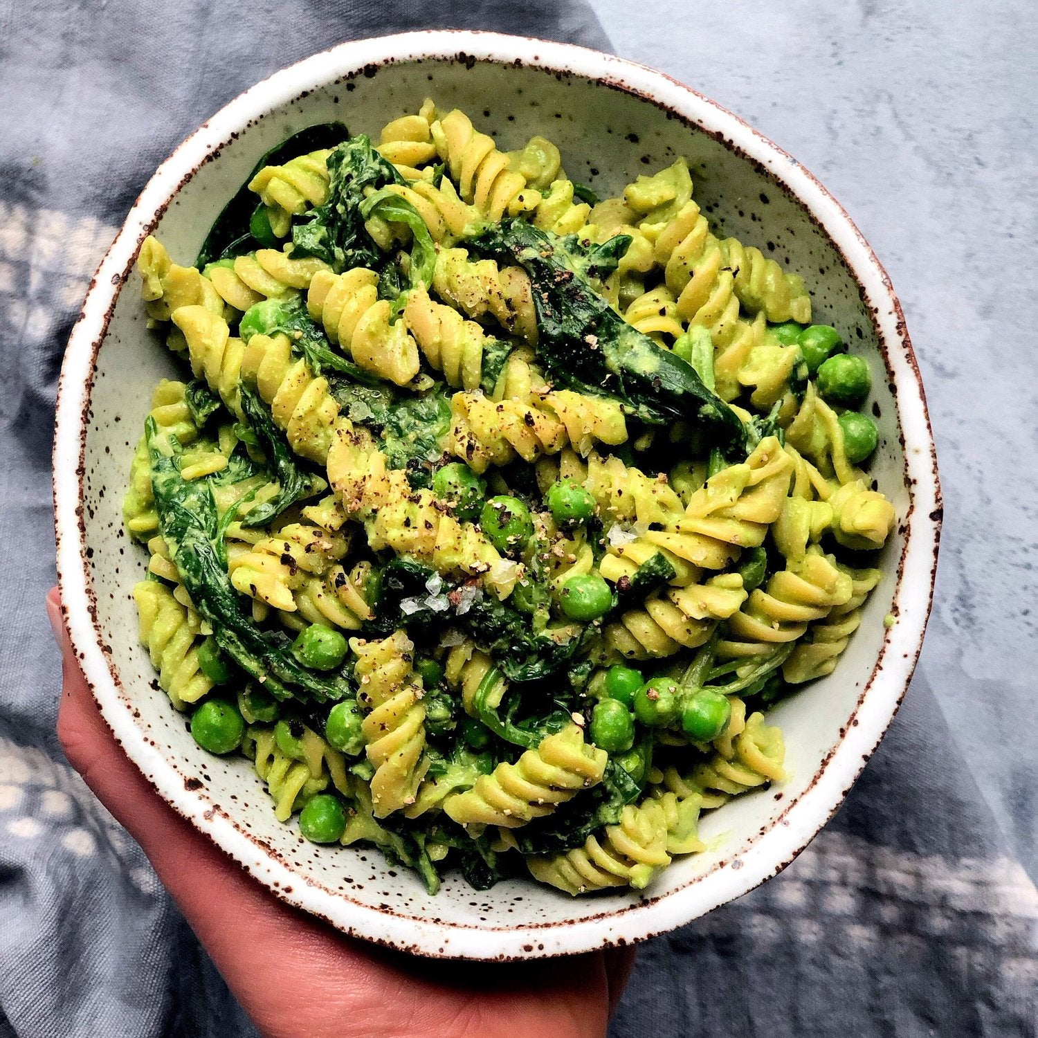 pesto pasta with spinach and peas