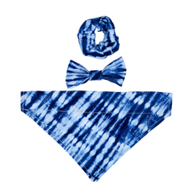 Load image into Gallery viewer, Blue Tie Dye Scrunchie