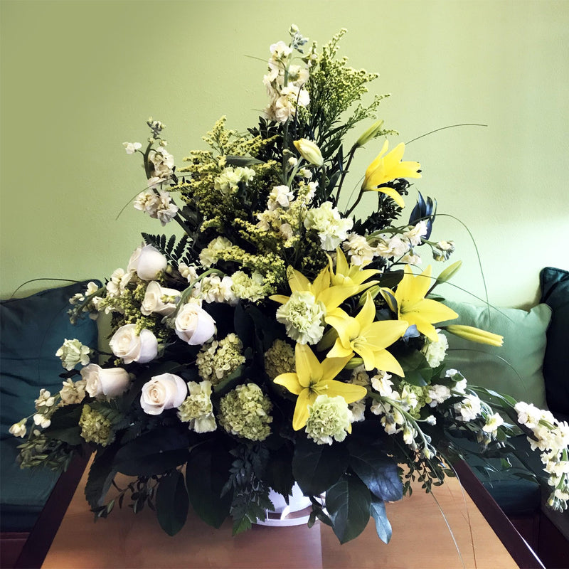 Flower Delivery Florist Funeral Sympathy Naples Nature S Friendship Basket Deluxe