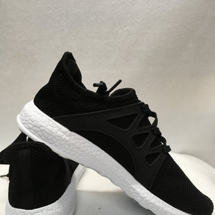 Primary Photo - BRAND:    CLOTHES MENTOR STYLE: SHOES ATHLETIC COLOR: BLACK WHITE SIZE: 7.5 SKU: 240-24052-47879