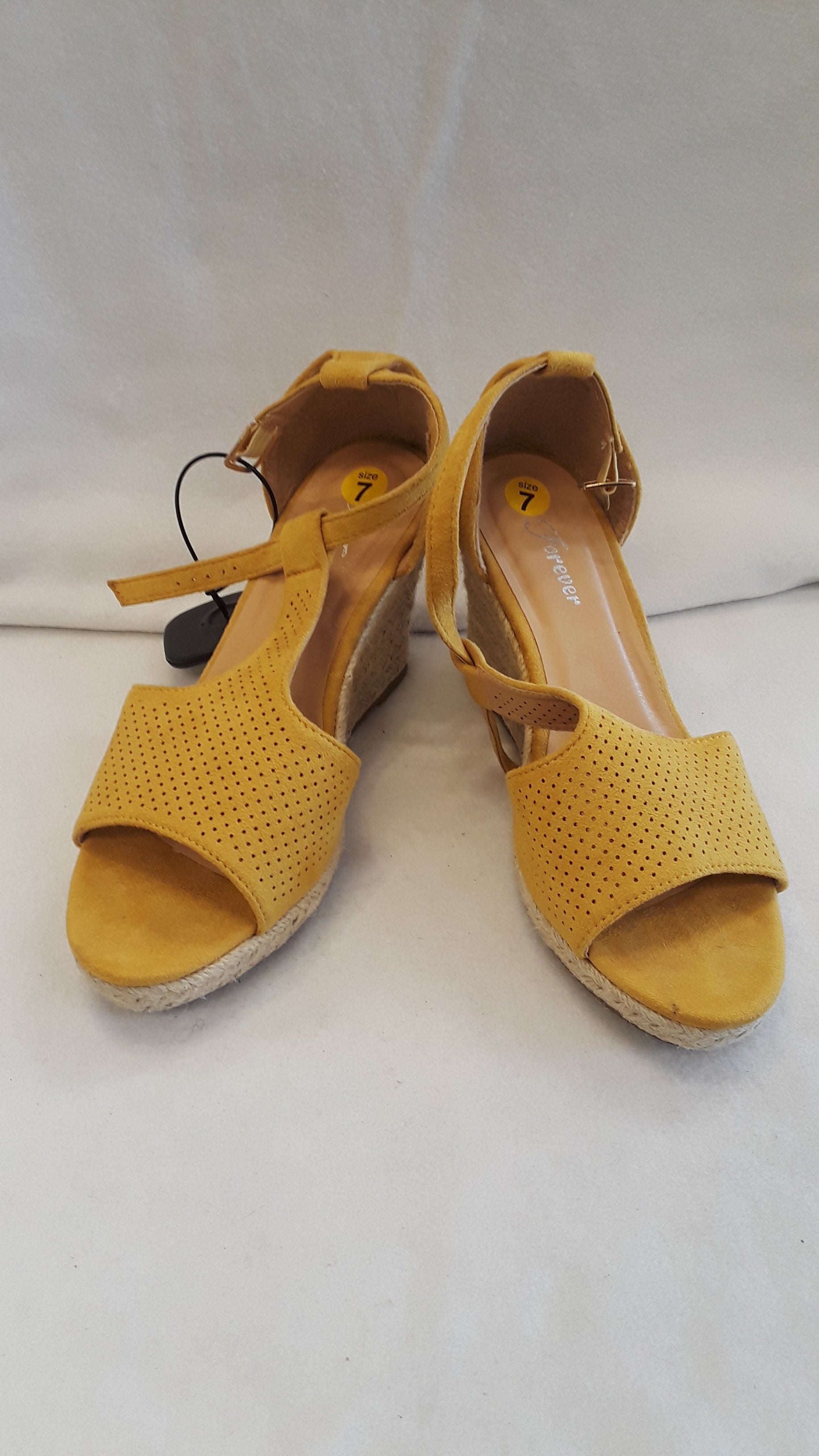 Primary Photo - BRAND: FOREVER <BR>STYLE: SHOES HIGH HEEL <BR>COLOR: YELLOW <BR>SIZE: 7 <BR>SKU: 240-24091-528