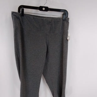 Primary Photo - BRAND: ATHLETIC WORKS STYLE: ATHLETIC CAPRIS COLOR: GREY SIZE: L SKU: 240-24052-55728