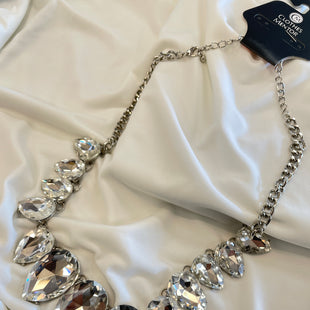 Primary Photo - BRAND:    CLOTHES MENTOR STYLE: NECKLACE COLOR: SILVER OTHER INFO: STATMENT RHINESTONE  - SKU: 240-24049-55338