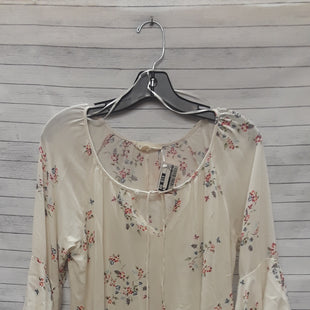 Primary Photo - BRAND: LOVE STITCH STYLE: TOP LONG SLEEVE COLOR: FLORAL SIZE: M OTHER INFO: CREAM SKU: 240-24052-53278