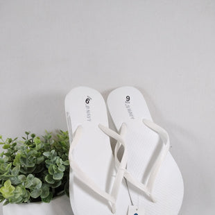 Primary Photo - BRAND: OLD NAVY O STYLE: FLIP FLOPS COLOR: WHITE SIZE: 6 SKU: 240-24068-7561