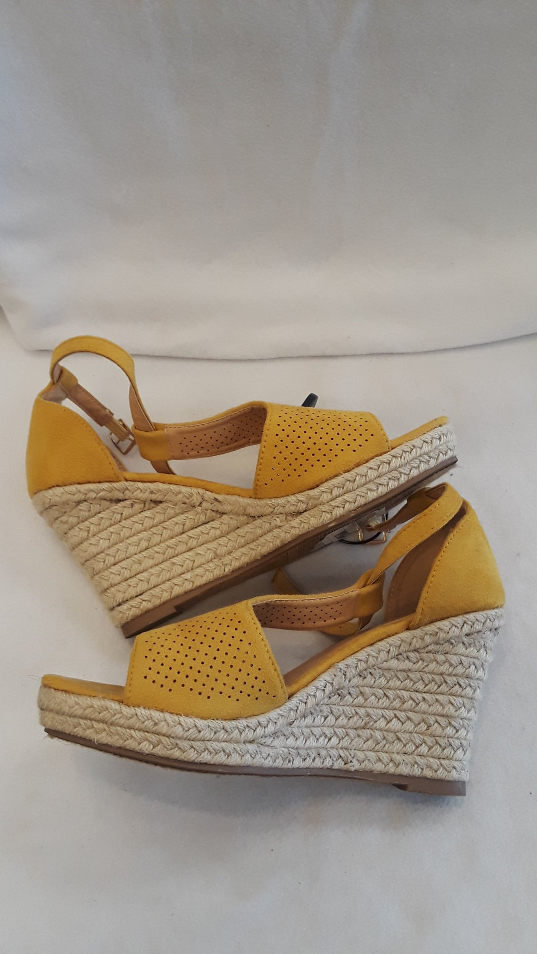 Photo #1 - BRAND: FOREVER <BR>STYLE: SHOES HIGH HEEL <BR>COLOR: YELLOW <BR>SIZE: 7 <BR>SKU: 240-24091-528