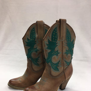 Primary Photo - BRAND: VERY VOLATILE STYLE: BOOTS ANKLE COLOR: WESTERN SIZE: 7.5 SKU: 240-24049-51689