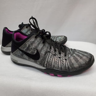 Primary Photo - BRAND: NIKE STYLE: SHOES ATHLETIC COLOR: GREY SIZE: 6.5 SKU: 240-24049-51386