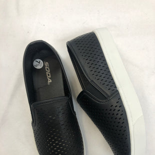 Primary Photo - BRAND: SODA STYLE: SHOES FLATS COLOR: BLACK SIZE: 7.5 SKU: 240-24090-219