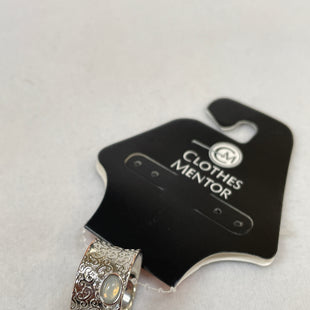Primary Photo - BRAND:    CLOTHES MENTOR STYLE: RING COLOR: SILVER SIZE: 7.5 OTHER INFO: SILVER BAND CLEAR STONE  - SKU: 240-24052-52822