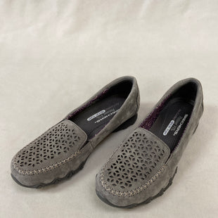 Primary Photo - BRAND: SKECHERS STYLE: SHOES FLATS COLOR: GREY SIZE: 8 SKU: 240-24083-9108