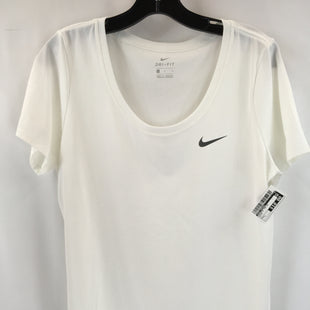 Primary Photo - BRAND: NIKE APPAREL STYLE: ATHLETIC TOP SHORT SLEEVE COLOR: WHITE SIZE: L SKU: 240-24049-58930
