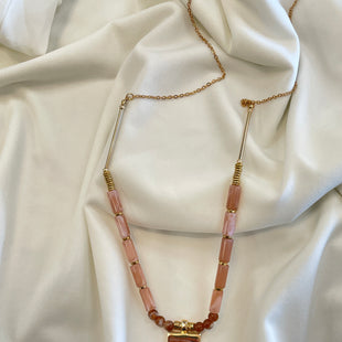 Primary Photo - BRAND:    CLOTHES MENTOR STYLE: NECKLACE COLOR: PINK OTHER INFO: PINK BEAD/TASSEL GOLD  - SKU: 240-24049-54553