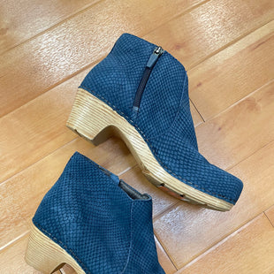 Primary Photo - BRAND: DANSKO STYLE: BOOTS ANKLE COLOR: BLUE SIZE: 6 SKU: 240-24052-52922