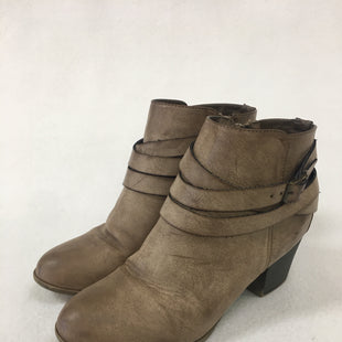 Primary Photo - BRAND:    CLOTHES MENTOR STYLE: BOOTS ANKLE COLOR: TAUPE SIZE: 7.5 OTHER INFO: NO PARKING - SKU: 240-24090-377
