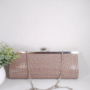 Primary Photo - BRAND:    CLOTHES MENTOR STYLE: CLUTCH COLOR: MAUVE SIZE: LARGE OTHER INFO: CLUTCH  - SKU: 240-24052-56278