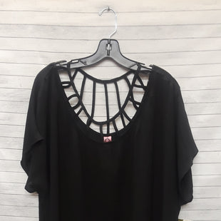Primary Photo - BRAND: HONEYME STYLE: TOP SHORT SLEEVE COLOR: BLACK SIZE: 2X SKU: 240-24049-49492