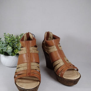 Primary Photo - BRAND:    CLOTHES MENTOR STYLE: SANDALS HIGH COLOR: TAN SIZE: 7 OTHER INFO: HEXEVER - SKU: 240-24071-5643