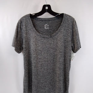 Primary Photo - BRAND: NIKE APPAREL STYLE: ATHLETIC TOP SHORT SLEEVE COLOR: GREY SIZE: L SKU: 240-24049-58672