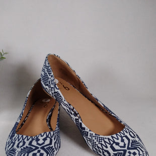 Primary Photo - BRAND: MIX NO 6 STYLE: SHOES FLATS COLOR: BLUE WHITE SIZE: 7 SKU: 240-24052-56797