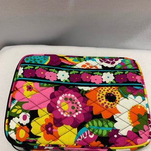 Primary Photo - BRAND: VERA BRADLEY CLASSIC STYLE: ACCESSORY TAG COLOR: FLORAL OTHER INFO: SMALL TABLET CASE SKU: 240-24091-5474
