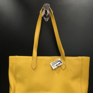 Primary Photo - BRAND: DOONEY AND BOURKE STYLE: HANDBAG DESIGNER COLOR: YELLOW SIZE: LARGE SKU: 240-24071-3272