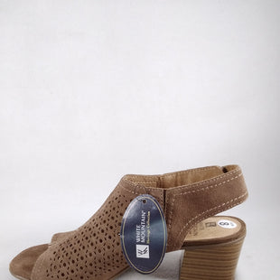 Primary Photo - BRAND: WHITE MOUNTAIN STYLE: SHOES LOW HEEL COLOR: TAUPE SIZE: 8 SKU: 240-24091-7317