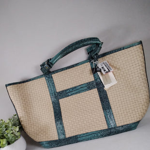 Primary Photo - BRAND: ADRIENNE VITTADINI STYLE: TOTE COLOR: STRAW SIZE: LARGE OTHER INFO: SEA BLUE CROC SKU: 240-24052-54925