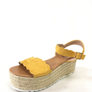 Primary Photo - BRAND:    CLOTHES MENTOR STYLE: SANDALS HIGH COLOR: YELLOW SIZE: 8 OTHER INFO: AMS  - SKU: 240-24052-52892