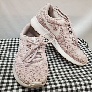 Primary Photo - BRAND: NIKE STYLE: SHOES ATHLETIC COLOR: DUSTY PINK SIZE: 7 SKU: 240-24068-6263