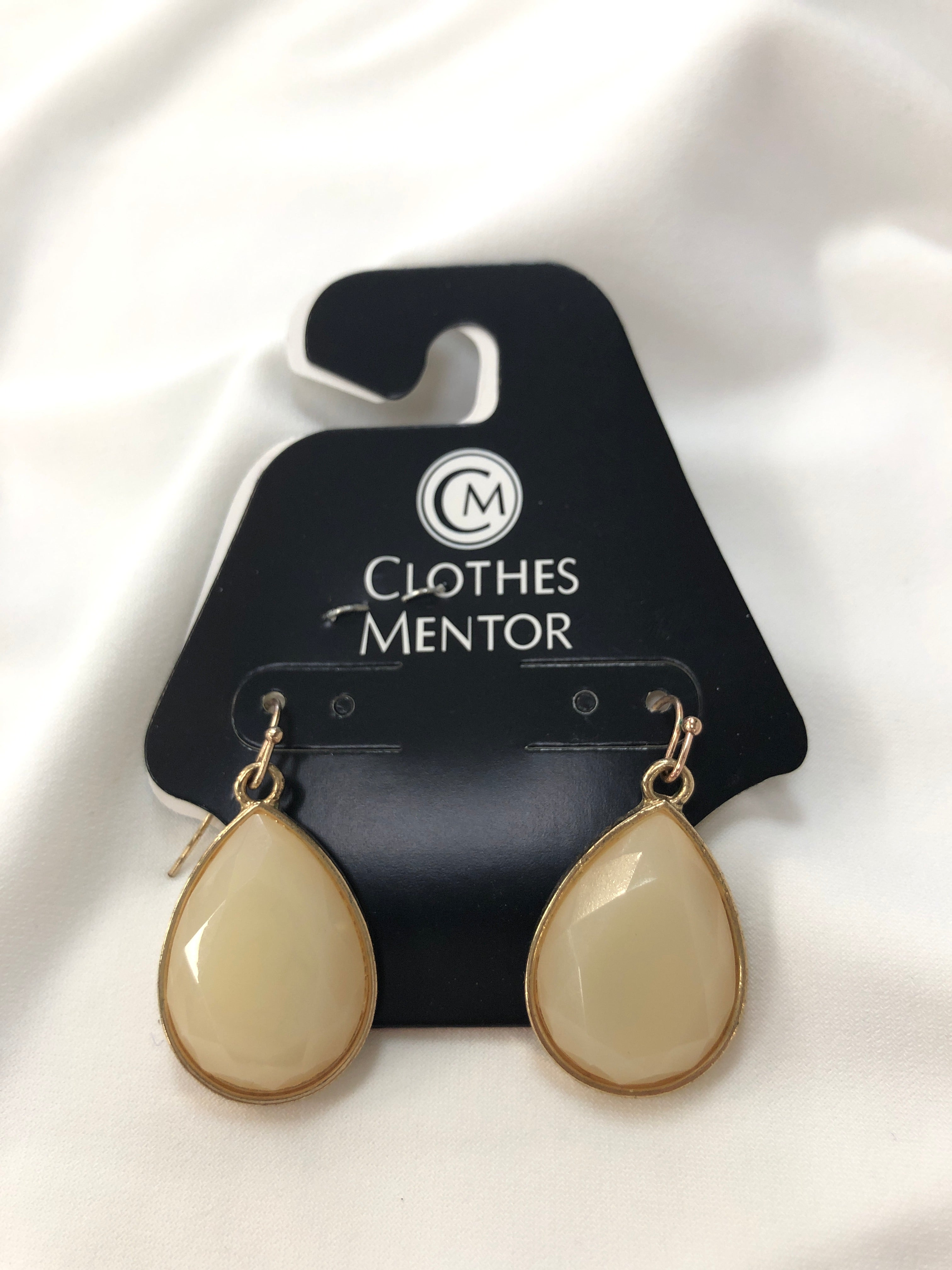 Photo #1 - BRAND:    CLOTHES MENTOR <BR>STYLE: EARRINGS <BR>COLOR: MULTI <BR>SKU: 240-24071-4300