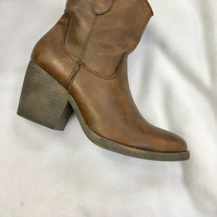 Primary Photo - BRAND: MADDEN GIRL STYLE: BOOTS ANKLE COLOR: BROWN SIZE: 7.5 SKU: 240-24049-51176