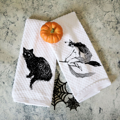 Set of Two Towels Vintage Witch and Black Cat