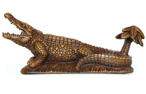 Statue crocodile design