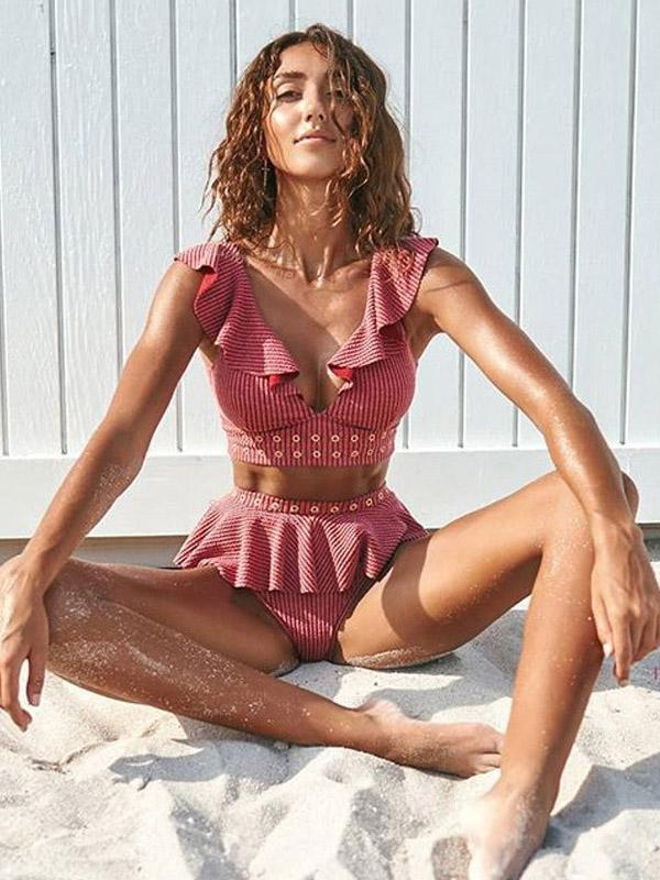 Textured Ruffled Top With High Cut Bikini Set