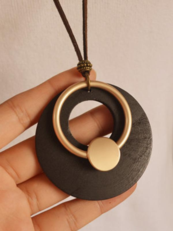 Vintage Circle Shape Wood Necklace