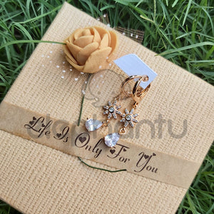 Stylish Golden Floral Earrings-640017