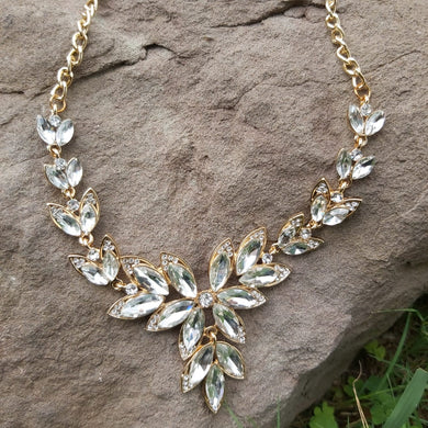 Adorable Crystal Floral Necklace For Girls-150024