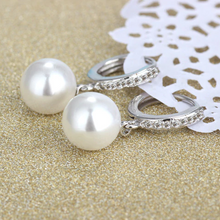 Load image into Gallery viewer, Silver Freshwater Pearl Drop Earrings - Bridal gift - The Gem Cutter
