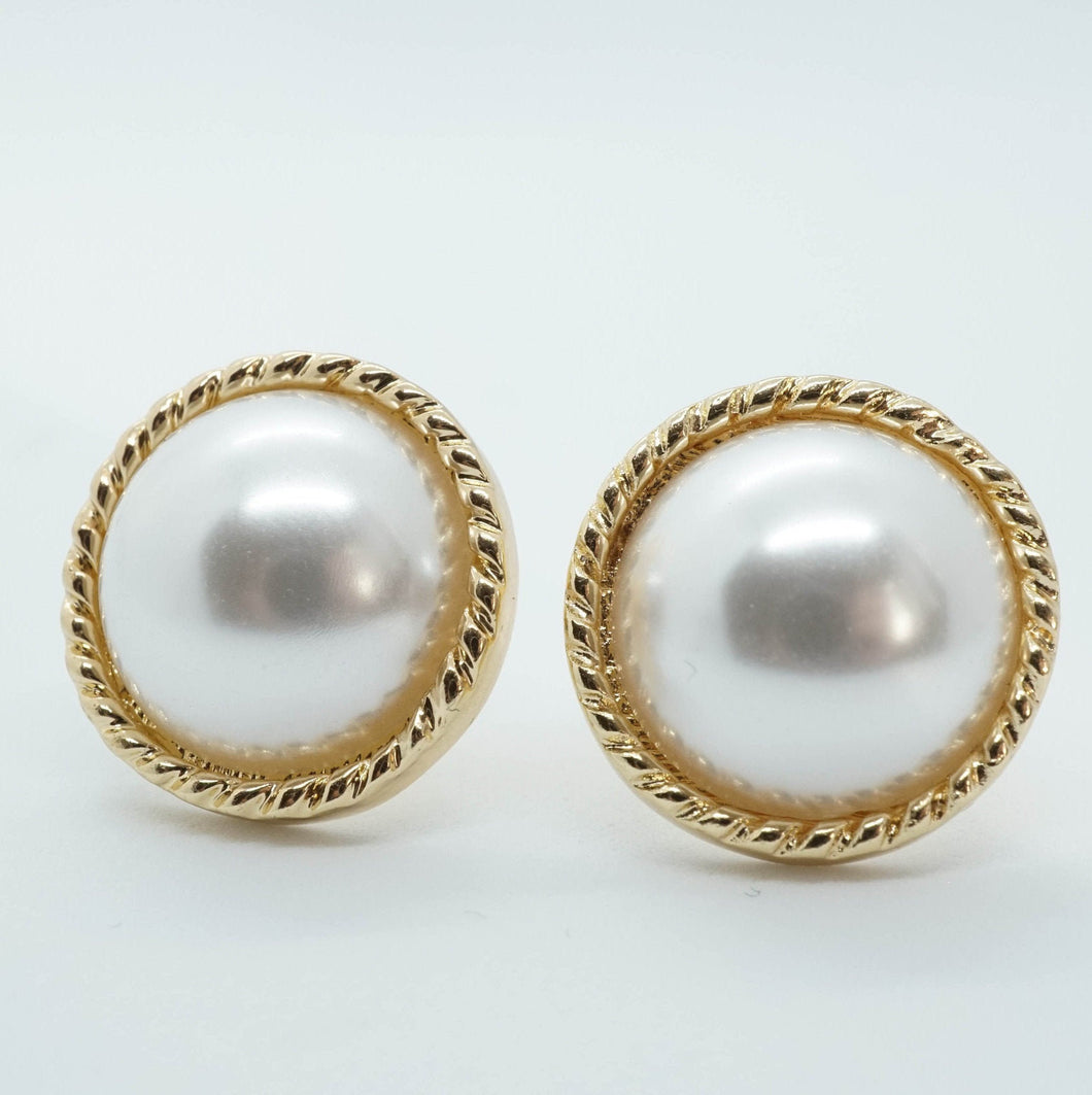 Faux Pearl Vintage Round Round Big Stud Earrings - The Gem Cutter