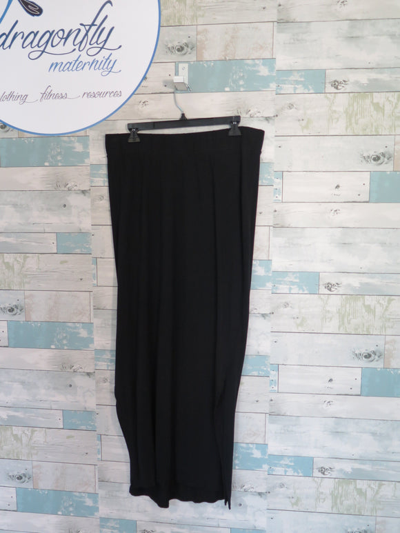 Liz Lange maternity skirt