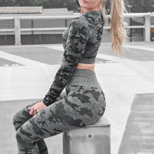 Load image into Gallery viewer, Classic Camo Long Sleeve Set (Leggings + Top)