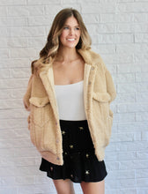 Load image into Gallery viewer, TAUPE WOOLY JACKET
